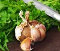 ¿Cómo hacer ajo y perejil picado?
