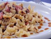 Pasta con Panceta, radicchio y aceto balsámico