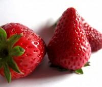 ¿Cómo se deben guardar las frutillas en la heladera?