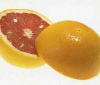Pomelos rellenos de frutos rojos varios