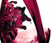 El corazón, el vino y ….¡Salud! Un poco de vino tinto no hace mal.