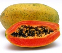 ¿Sabías que las papayas tienen otros usos además de comerlas como fruta?