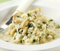 Pilaf de arroz, cebolla y verdeo
