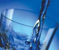 Reemplazar gaseosas por agua adelgaza: Estudio realizado en EE.UU.