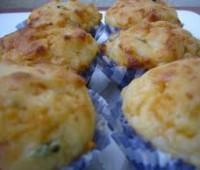 Muffines salados con arvejas y jamón