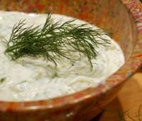 Tzatziki smirneico: Salsa griega de pepino y yogurt