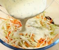 Ensalada de repollo blanco y zanahorias ( Coleslaw)