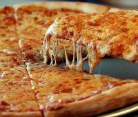 Cómo hacer pizza a la piedra