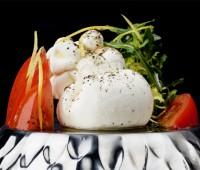 ¿Qué es la Burrata? Queso mantecoso italiano de la Puglia