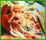 Ensalada China con fideos de arroz