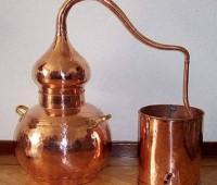 ¿Qué quiere decir destilar una bebida?