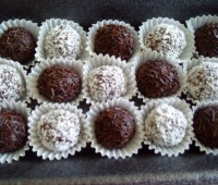 Bolitas de chocolate y coco