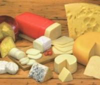 Quesos con pan y vino: Combinación exquisita para degustar