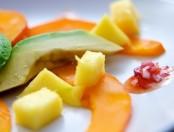 Ensalada de palta, palmitos y mango