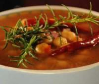 Sopa de garbanzos: Receta fácil para días de frío