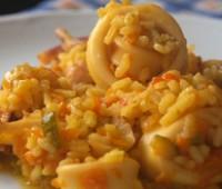 Arroz con calamares: Receta casera de cazuela de arroz con calamares