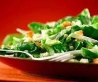 Ensalada de Espinaca, croutons y yoghurt