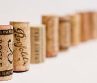 ¿Se termina el tapón de corcho para el vino? ¿Llegan las tapas a rosca y corchos sintéticos para el encorchado?