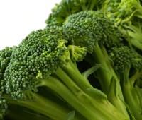 Brócolis salteados con ajo y perejil