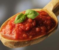 Cómo sacar la acidez a una salsa de tomate