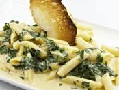 Salsa de espinacas y almendras: salsa para pastas