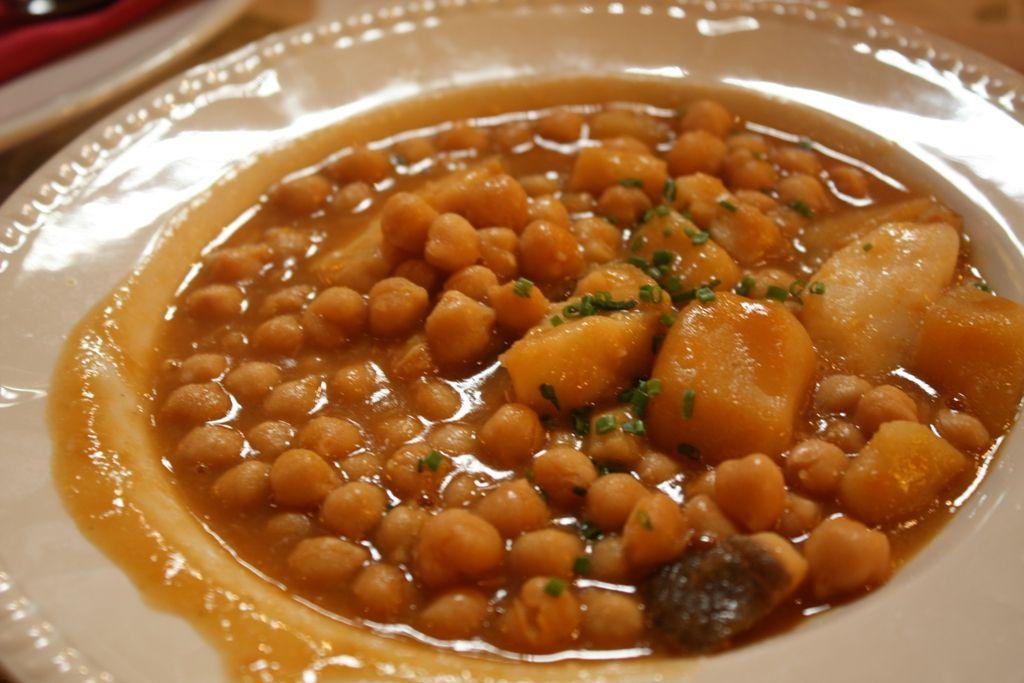 Potaje de garbanzos con espinacas y bacalao especial para - Bacalao con garbanzos y patatas ...