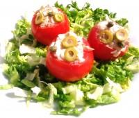 Tomates relleno con mousseline de pollo