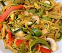 Receta: Fideos al wok con calabacín