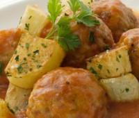 Cómo preparar unas exquisitas albóndigas con salsa
