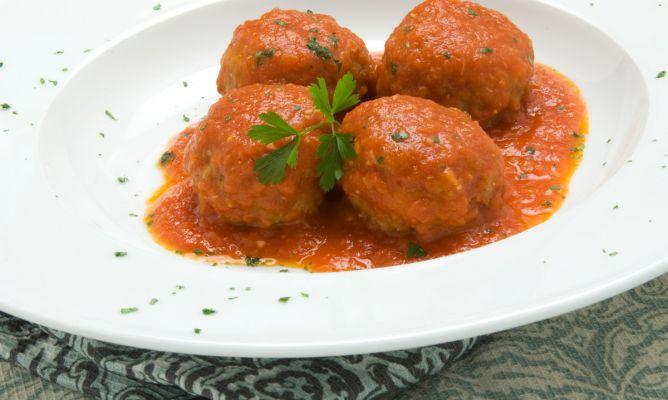 254-albondigas-en-salsa-de-tomate-4869-668x400x80xX