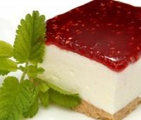 Receta para veganos: Pastel de crema de frambuesas con base de galletas