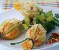 Flores de calabacín rellenas de arroz