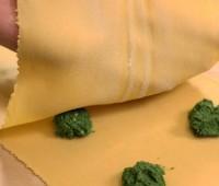 Raviolones de espinaca y ricotta para compartir en familia