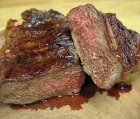 Recetas: bife de chorizo a la plancha con mil hojas de papa y remolacha