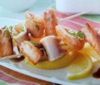 Brochettes de pescado y marisco