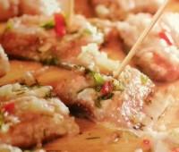 Sardinas marinadas con limón y pimientos para compartir con amigos