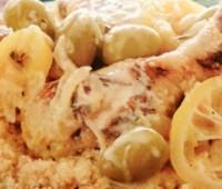 Pollo con limón confitado y olivas