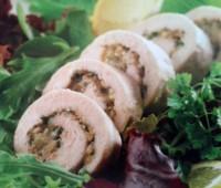 Rodajitas de pollo con queso azul y hierbas aromáticas