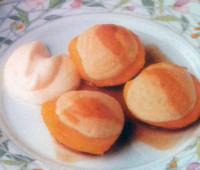 Riquísimos duraznos rellenos con crema de almendras