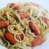 Recetas: Pastas verdes y blancas con salchichas