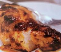 Delicioso Pollo asado con pesto de tomates secados al sol