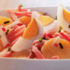 Ensalada con papas y jamón para compartir en una almuerzo saludable