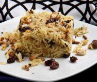 Delicioso arroz con frutos secos para disfrutar en un almuerzo