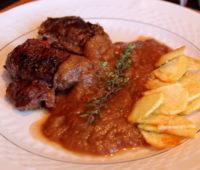 Deliciosas entrañas anchas con salsa española