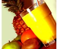 Licuado de manzana, naranjas y miel: