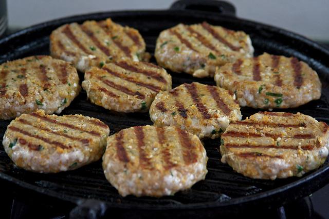Hamburguesas caseras con carne de cerdo cocinachic - Plancha para hamburguesas ...
