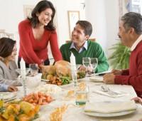 Cómo servir un almuerzo o cena: Consejos y orden de presentación de alimentos