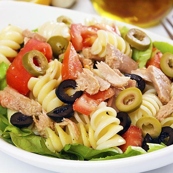 Ensalada de pastas y at n cocinachic - Ensalada fresca de pasta ...