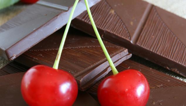 cerezas_banadas_con_chocolate_y_nuez