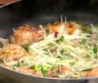 Receta de pollo al verdeo con papas españolas